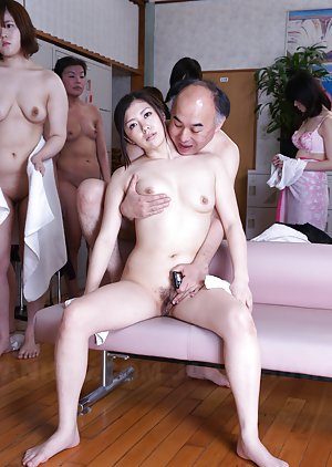 Fingering Asian Pics